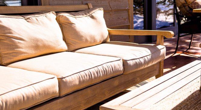 Пране на мека мебел – колко често и как